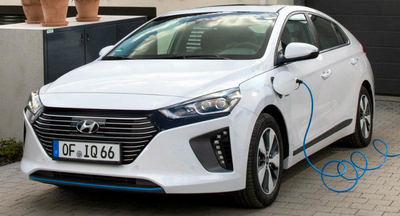 Europe Ioniq Plug-In Hybrid Ordering Books Now Open | Hyundai IONIQ